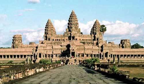 它和中国万里长城,埃及金字塔