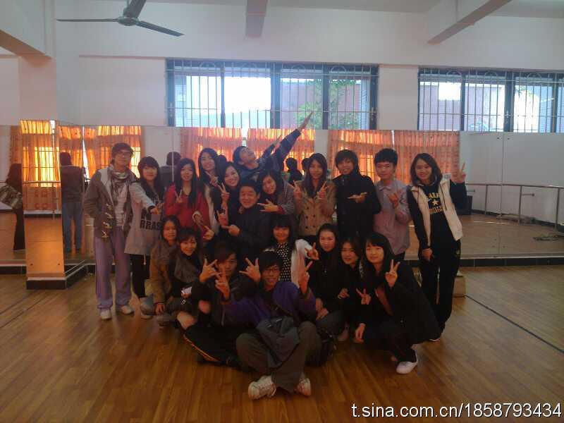 任教课程:戏剧表演,戏剧欣赏    2007年至今,担任星海音乐学院流行