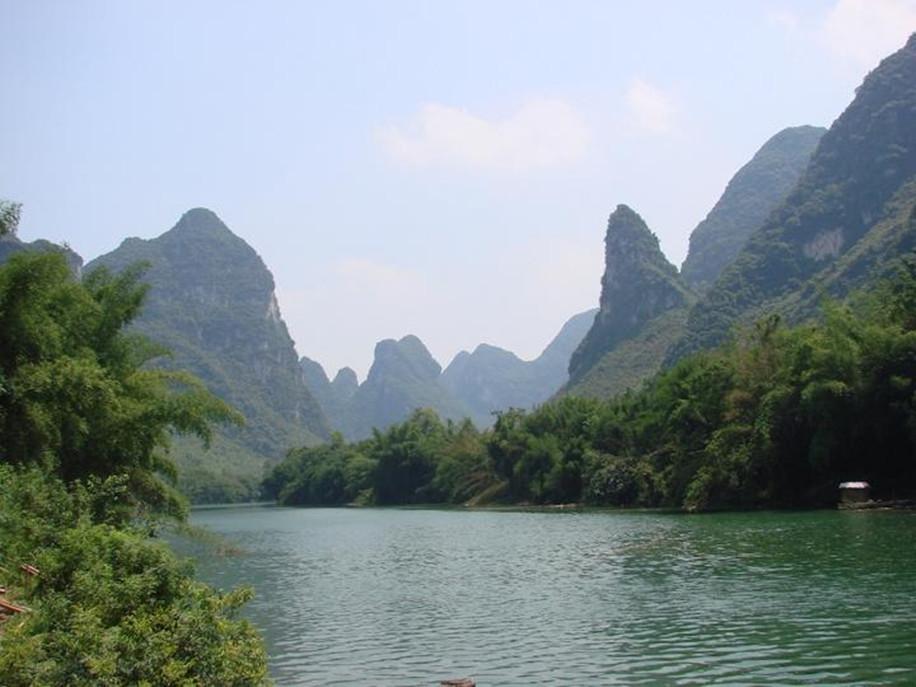 河池祥贝河景区位于广西河池市宜州市临江河上段,长约25千米,是集水