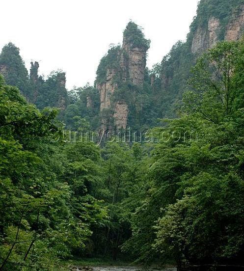 编辑本段相临景点   索溪峪自然保护区 金鞭溪风景区张家界国家森林