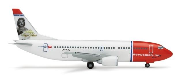 挪威航空公司共有4架波音737-300型飞机
