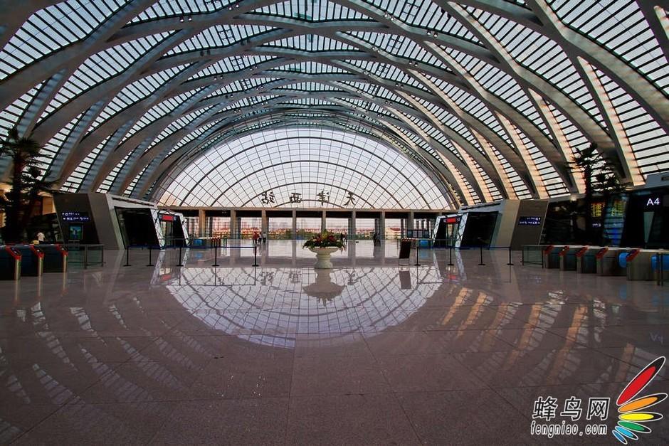 北京西站内部结构图