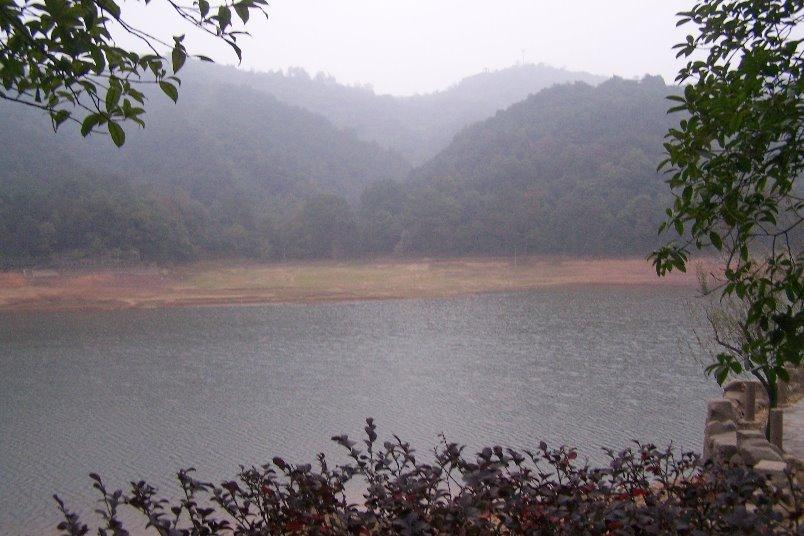 湖南省石燕湖生态旅游风景区位于长沙