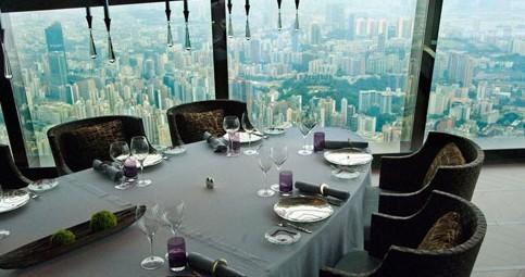 上海波特曼丽思卡尔顿酒店分别与2001年和2003年