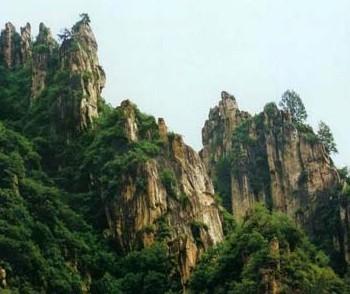 百泉山风景区分为休闲度假区