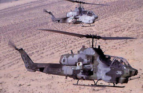 美国ah-1眼镜蛇武装直升机
