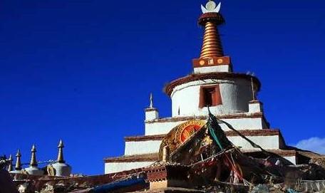 西藏的白居塔(也说印度的金刚塔)